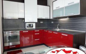 EXKLUZÍVNE IBA U NÁS Vám ponúkame na prenájom moderný, priestranný 2-izbový byt v Trenčíne na Ul. gen. M.R.Štefánika nachádzajúci sa v novostavbe na 2poschodí.