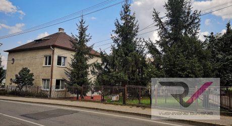 Na predaj rodinný dom vhodný na podnikanie - Košeca