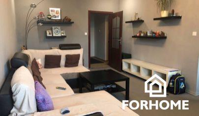 REZERVOVANÉ, Zrekonštruovaný 4 izbový byt V Nových Zámkoch
