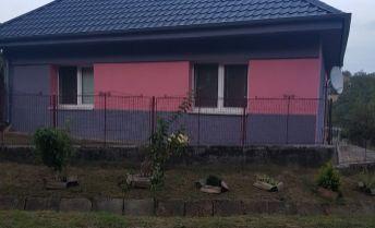 Exkluzívne ponúkame na predaj rodinný dom v obci Čechy