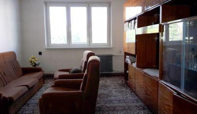 PARTIZÁNSKE CENTRUM 3 izbový byt, LOGGIA, pôvodný stav 64 m2