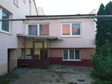 PREDAJ - rodinný dom na veľkom pozemku 2726 m2 / Suchá nad Parnou