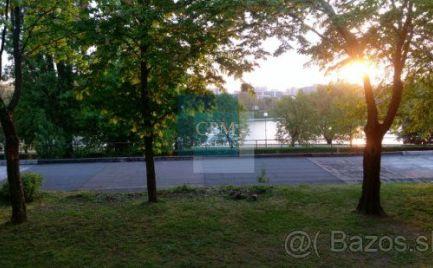 Na prenájom zariadená garsónka s výhľadom na Štrkovecké jazero - Bratislava Ružinov