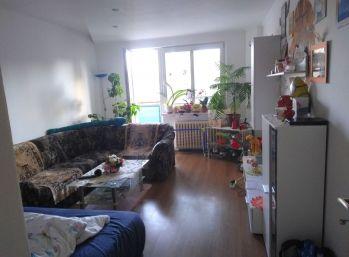 2,5 izbový byt s balkómom v Lučenci