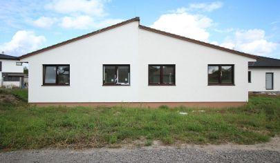 SORTier s.r.o.: Na predaj novostavba 3 izbového rodinného domu v Malých Levároch.
