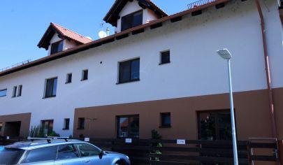 Predaj - Exkluzívny 5 izbový byt (holobyt) v top lokalite - SENEC.TOP PONUKA !