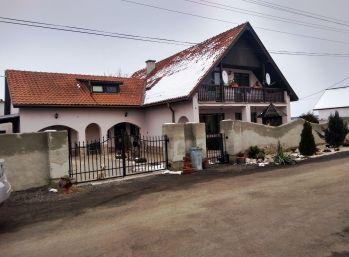 7-i dom,pozemok 600 m2, 2x GARÁŽ - REZERVOVANÝ