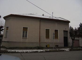 4-i dom,246 m2,, POZEMOK 600 m2,zachovalý