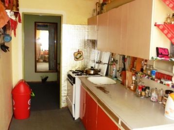 3-i byt,64 m2,loggia,ZATEPLENÝ byt.dom,pokojná lokalita