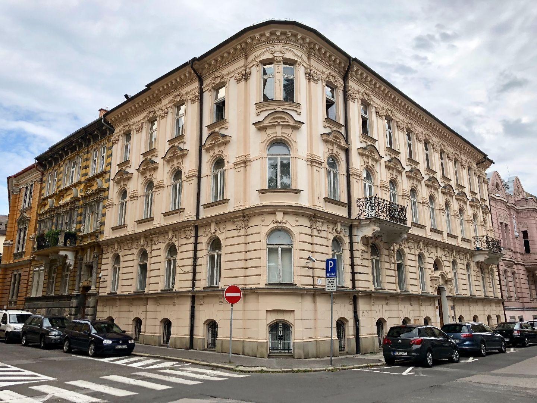 DELTA - Historická administratívna budova, Staré mesto