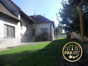 Predaj domu s pozemkom 2238m2 v Podlužanoch pri Bánovciach n/B.