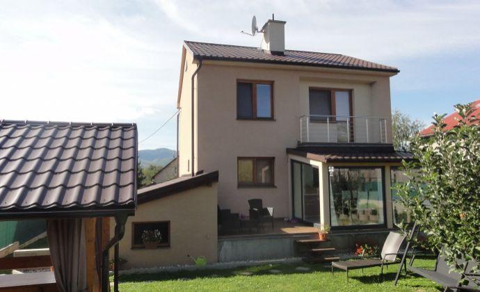 EXKLUZÍVNE! PREDAJ - Kompletne zrekonštruovaný rodinný dom s rovinatým slnečným pozemkom a bazénom v obci Nedožery-Brezany.