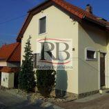 Dvojpodlažný rodinný dom v Záhorskej Bystrici