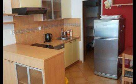 Na prenájom 2 izbový byt Gercenova ul. Petržalka