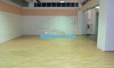 Obchodný priestor v nákupnom centre -80 m2