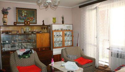TOPOĽČANY - 3 izbový byt, 1.posch, 66m2, ul.Družby