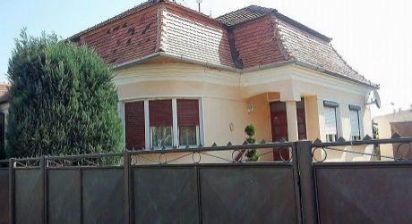 Predaj - 4 izbový tehlový rodinný dom v Marcelovej