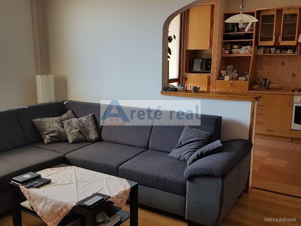 ARETE REAL-Predaj 3 izbového pekného,slnečného a priestranného bytu s veľkou výmerou 79 m2,samostatné izby,logia,pivnica,zateplený byt.dom-možnosť kúpa garáže