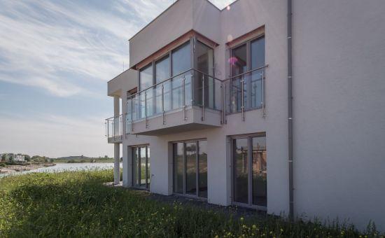 Seepark Kittsee - 4-izbový byt, balkón s výhľadom na jazero, 2x parking