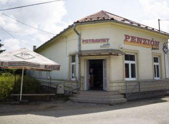 Na predaj polyfunkčný objekt (penzión, potraviny, hostinec) v obci Zborov