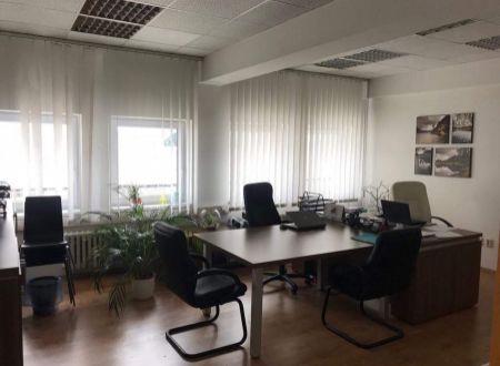 Zariadená kancelária 29m2, Líščie Nivy, Ružinov