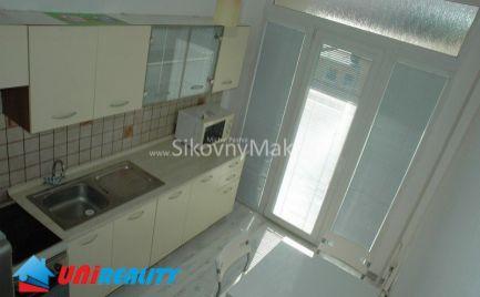 BÁNOVCE NAD BEBRAVOU- 2 izbový byt- čiastočne zariadený / DUBNIČKA / kompletná rekonštrukcia