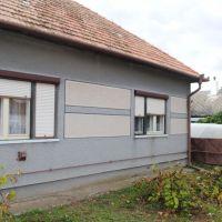 Rodinný dom, Zbrojníky, 100 m², Pôvodný stav