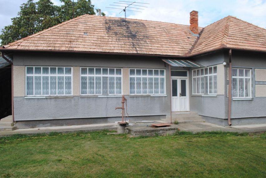 Predaj Rodinné domy Zbrojníky-1