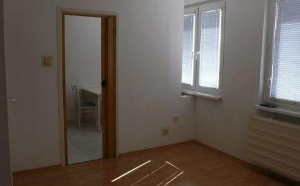 Na prenájom nezariadený 1-izbový byt v  Šamoríne