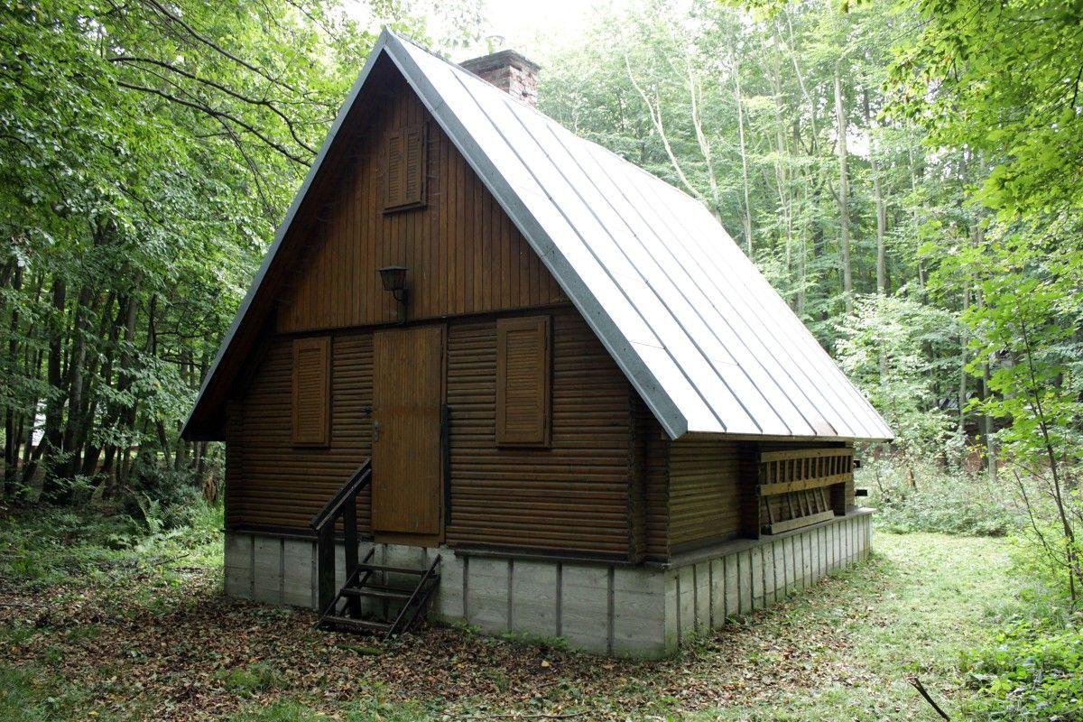 Areté real, Predaj rekreačnej chaty v krásnom prostredí v Modre na Zochovej chate