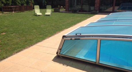 Predaj - Kompletne prerobený 6 izbový rodinný dom s plaveckým bazénom a hosťovským domom v Komárne
