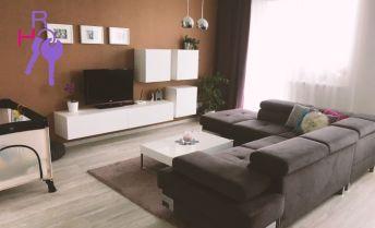 Zariadený, slnečný 3 izbový byt v novostavbe v tichej lokalite s výbornou občianskou vybavenosťou.