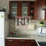 1izbovy byt na Doležalovej ulici - Ružinov - Trnávka