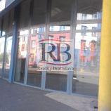 Obchodný priestor na prízemí administratívnej budovy na Račianskej ulici