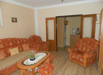ZNÍŽENÁ CENA! EXKLUZÍVNE predáme 2-izb. byt s loggiou v Seredi
