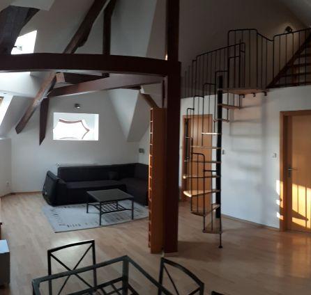 STARBROKERS - Prenájom 3 izb. podkrovného bytu s galériou, oproti TWIN CITY, VÚB, Staré mesto, ul. Mlynské nivy