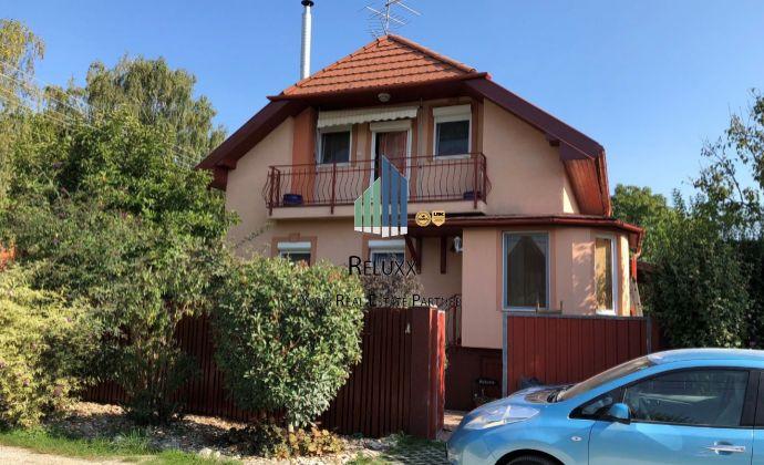 Rekreačný dom s bazénom na predaj tichej rekreačnej obci Dunasziget na ulici Akacos - Maďarsko