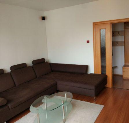 STARBROKERS - 3 izbový byt na začiatku Petržalky,výborná dostupnosť do centra.REZERVOVANÝ.