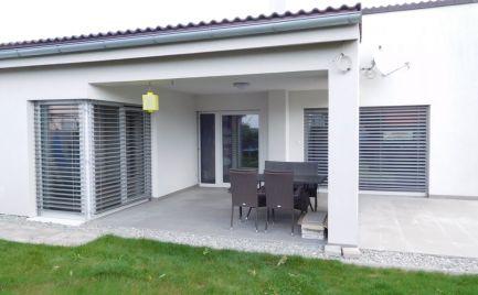 Predám 4 izbový rodinný dom v Chorvátskom Grobe (Čierna voda)