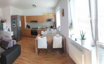 Zariadený 3 izbový byt na predaj