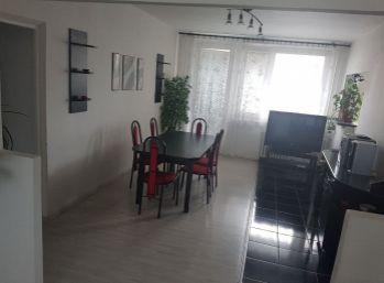 Priestranný 4 izbový byt v Podunajských Biskupiciach