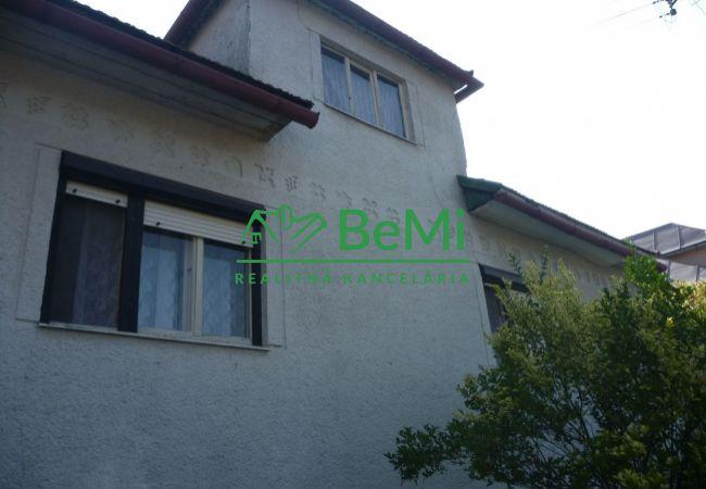 Na predaj: Starší rodinný dom- Hrochoť pri Banskej Bystrici (180-12-BB)