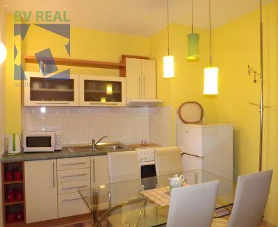 REZERVOVANÉ - Predaj 3 izbový byt 49 m2 Žarnovica 98002