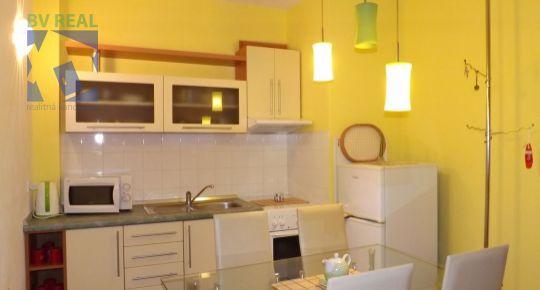 Predaj 3 izbový byt 49 m2 Žarnovica 98002
