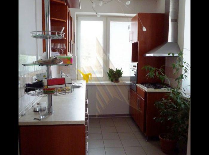 PRENAJATÉ - BANÍCKA, 3-i byt, 151 m2 – polovička dvojgeneračného domu, pekný byt  s ateliérom a terasou, v lukratívnej lokalite S NÁDHERNÝM VÝHĽADOM, na konci slepej uličky