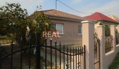 REALFINN - HURBANOVO /okolie/   - Rodinný dom na predaj po celkovej rekonštrukcii