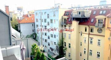 PRENÁJOM NOVOSTAVBA: kompletne zariadený 3-izbový byt s terasou, parkovanie, centrum mesta, Dunajská ul., Bratislava I. Staré Mesto