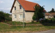 Na prenájom 6 izb. RD s pozemkom 800m2, Bezenye - Maďarsko