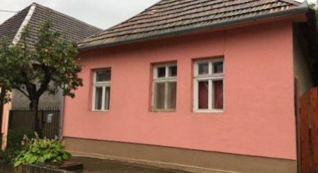 PREDAJ - rodinný dom na predaj v obci Chľaba.