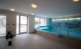 Moderný rodinný dom s bazénom a samostatným bytom – Bratislava Koliba